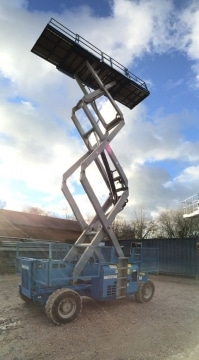 GS3384RT scissor lift hire Hampshire