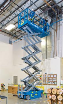 GS4047 scissor lift hire Hampshire
